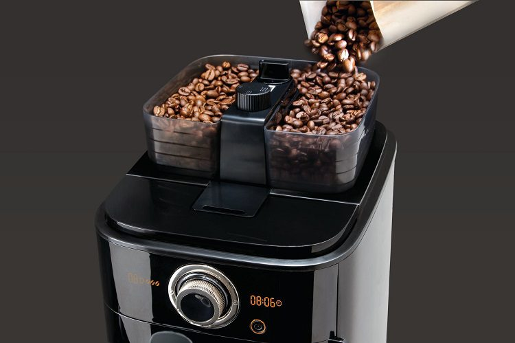 WHAT ARE THE ADVANTAGES OF GRIND AND BREW COFFEE MAKERS?