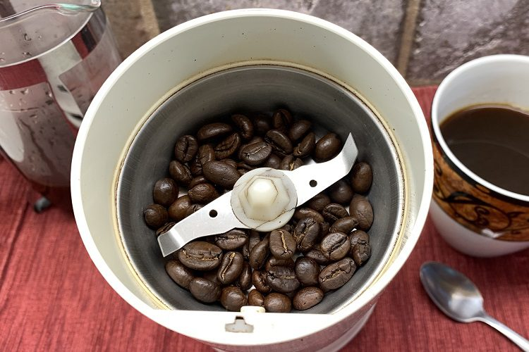 DO COFFEE GRINDERS' BLADES WEAR OUT?