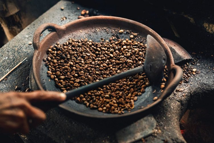 Can You Roast Organic Coffee Beans At Home?